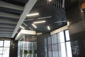 СтройДизайн кубообразный реечный потолок грильято