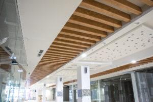 СтройДизайн реечные деревянные потолки
